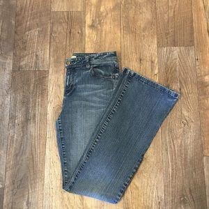Cabi Light Wash Denim Jeans
